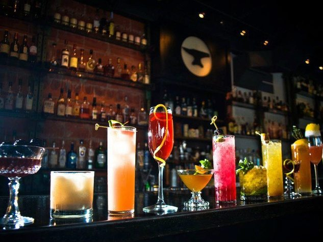 How to Order Drinks at a Bar - the Right Way